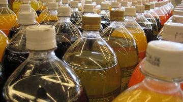 El tipo de botella influye en cómo sabe tu refresco.
