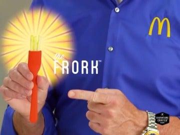 Frame 37.797124 de: McDonald's inventa un tenedor creado con patatas fritas