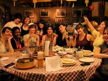 Una cena entre amigos no tiene porque significar boicotear la línea.