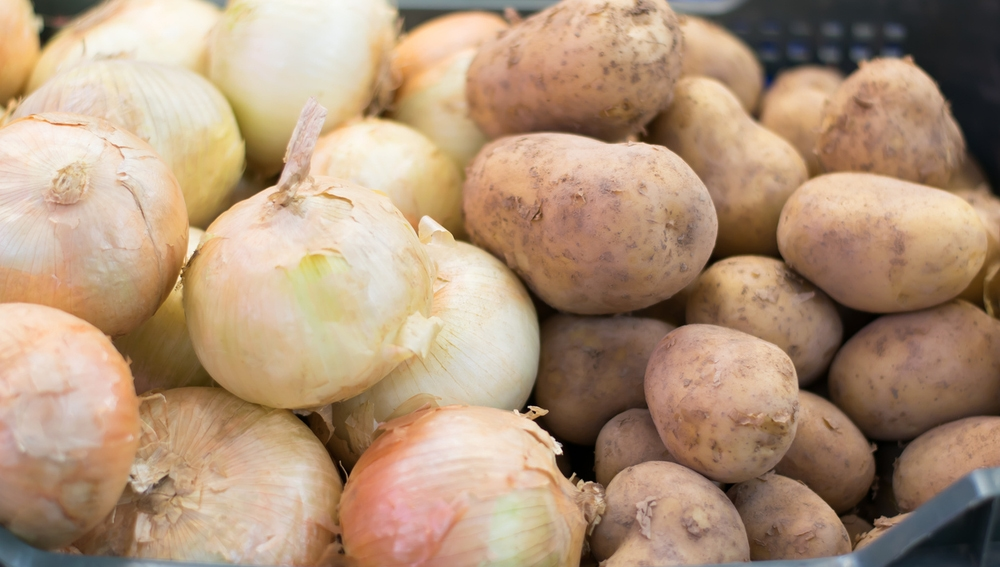 Cebollas y patatas