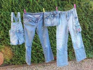 Cómo evitar que tus pantalones vaqueros destiñan al lavarlos