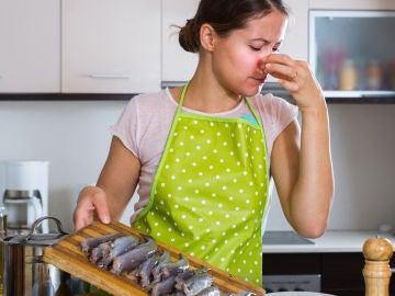 Mal olor de pescado en la cocina