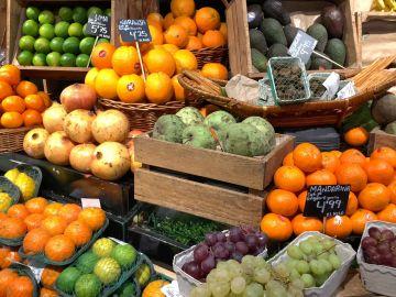 Las frutas que es mejor comer con piel