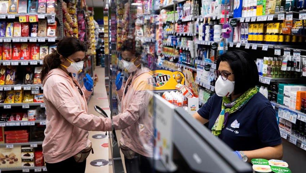 Supermercado en Murcia durante la crisis del coronavirus