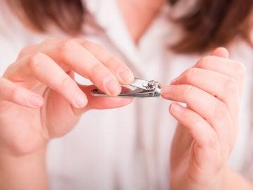 Cortarse uñas