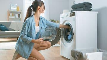 Poniendo lavadora