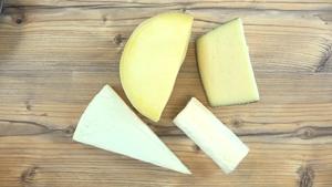 Así es como deberías cortar cada tipo de queso