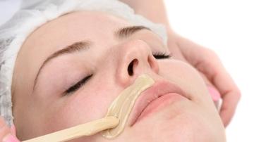 ¿Te duele una barbaridad depilarte el bigote? Así puedes librarte de él sin recurrir a la cera
