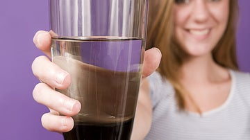 Beber agua antes de comer, un buen consejo para perder kilos.
