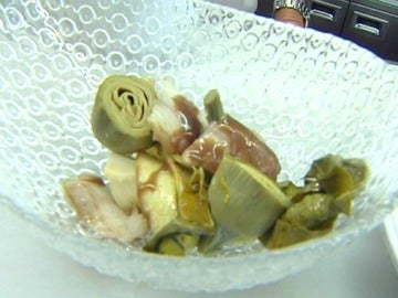 Parxois asados con alcachofa y anguila: una original receta muy sencilla de preparar