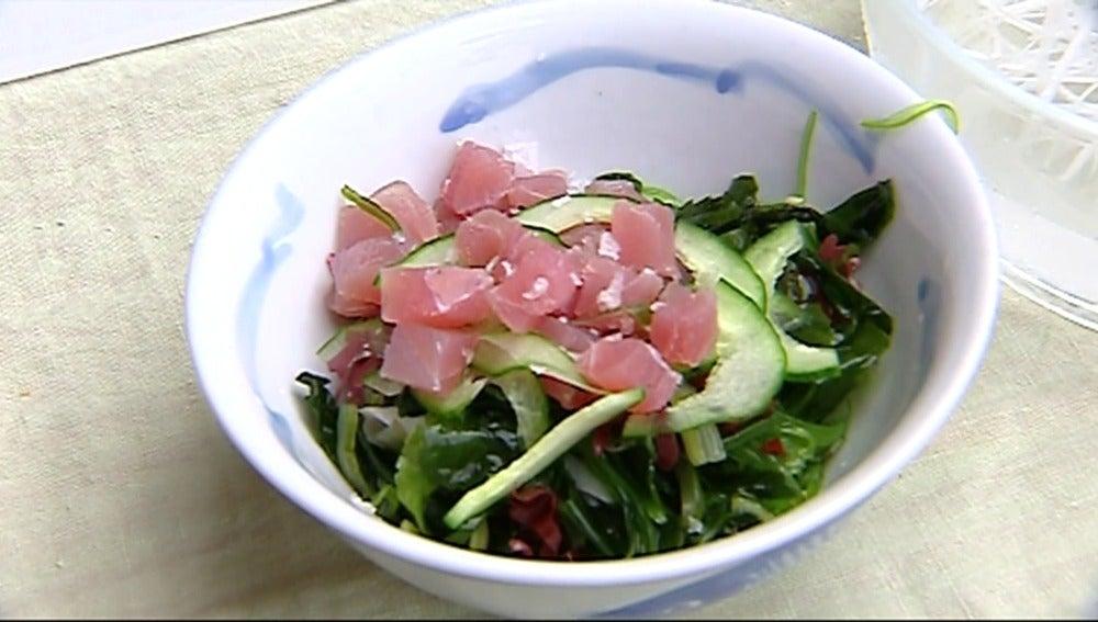 Ensalada de algas con un toque de atún: el plato ideal para este verano