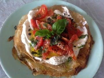 Tarta de crema de queso ricotta con tomate