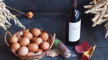 La extravagante dieta de los huevos y el vino.