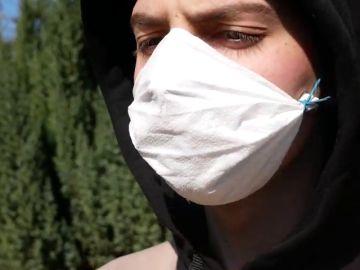 Cómo hacerte tus propias mascarillas con servilletas