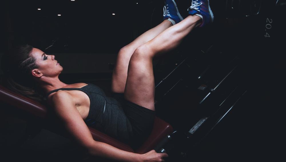 ¿Cómo adelgazar las piernas? Rutinas, ejercicios y alimentos  a eliminar de tu dieta