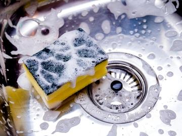 Limpiando el fregadero