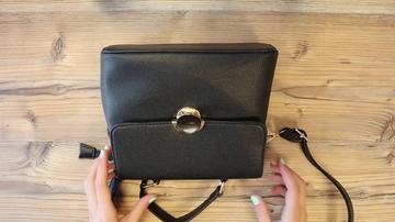 El truco de moda de redes sociales que convierte un bolso en una mochila